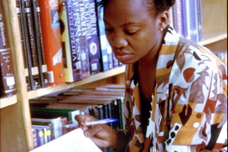 black-woman-reading_1_
